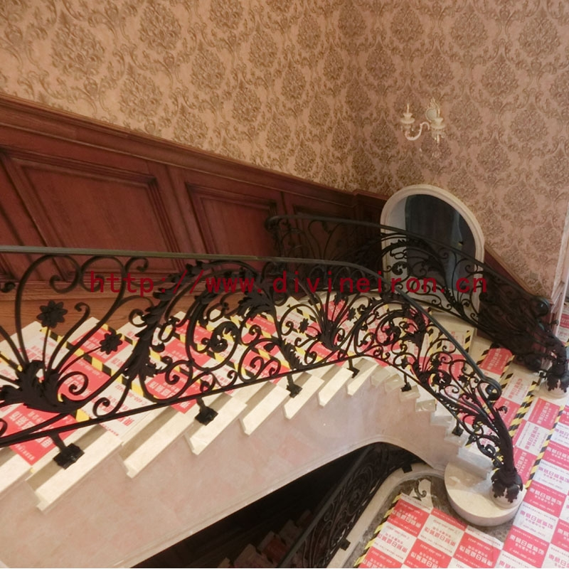 吉林市圣地亚歌别墅楼梯栏杆